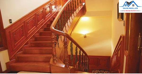 Sơn lại cầu thang